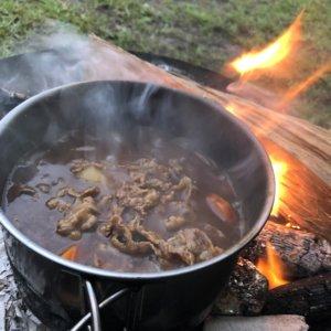 キャンプ飯 ビーフシチュー